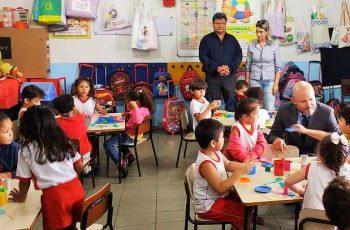 Escola recebe visita de vereador