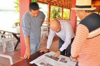 NOVA TEOTÔNIO: Vereador confere recuperação de estrada