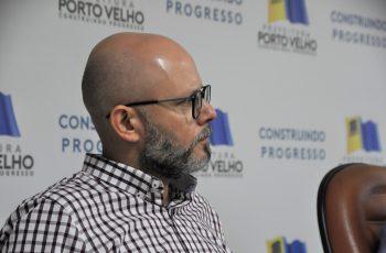 Aleks Palitot apresenta possível solução para lixo da Capital