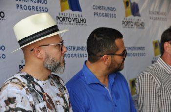 CAUSA ANIMAL: Palitot participa de entrega de unidades de vacinação