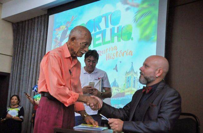 Homenagem: Aleks Palitot usa a tribuna para lamentar a morte do jornalista Euro Tourinho